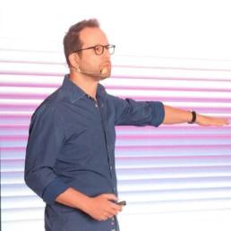 Итамар Гилад — Как создавать успешные продукты для бизнеса: стратегия развития MuST